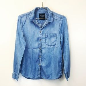 American Eagle Blue Chambray Button Up